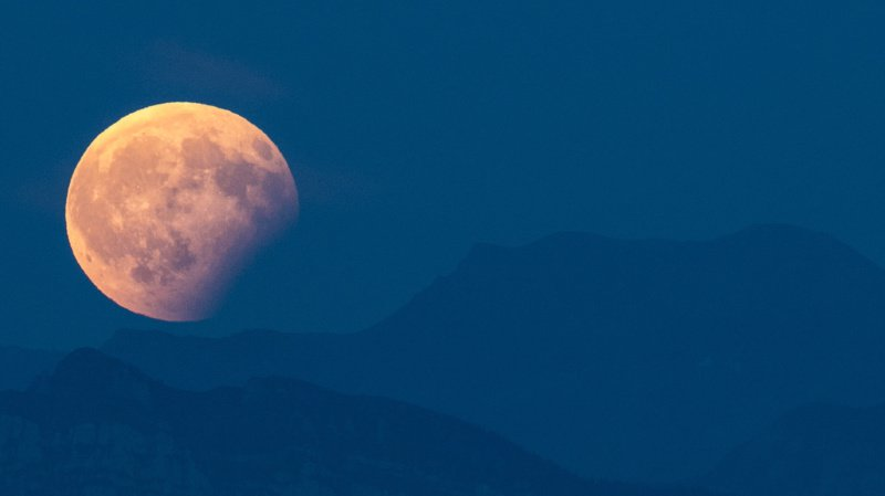 L'éclipse partielle attendue mardi soir pourra notamment être observée depuis la Suisse. (archives)