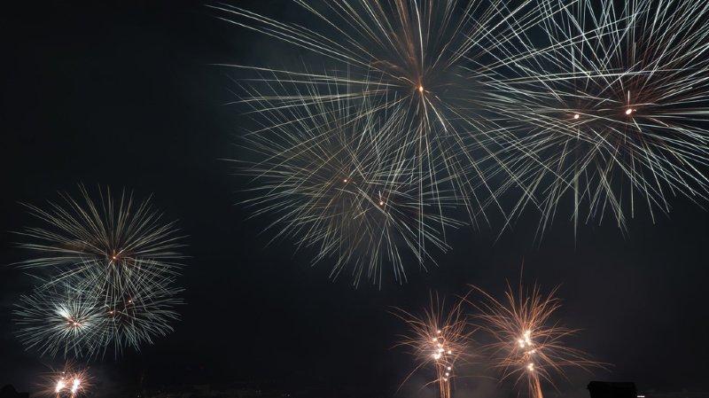 Les feux ont illuminé le ciel à travers la Suisse romande jeudi soir. (illustration)