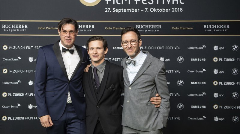 Le réalisateur Michael Steiner (gauche), l'acteur Joel Basman (centre) et le scénariste Thomas Meyer (droite) au 14e Festival du film de Zurich.