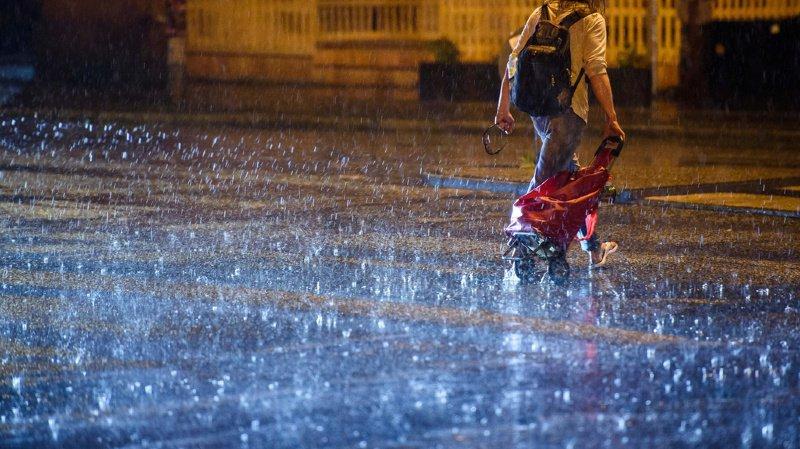 Météo: des pluies diluviennes frappent le Tessin depuis mardi soir