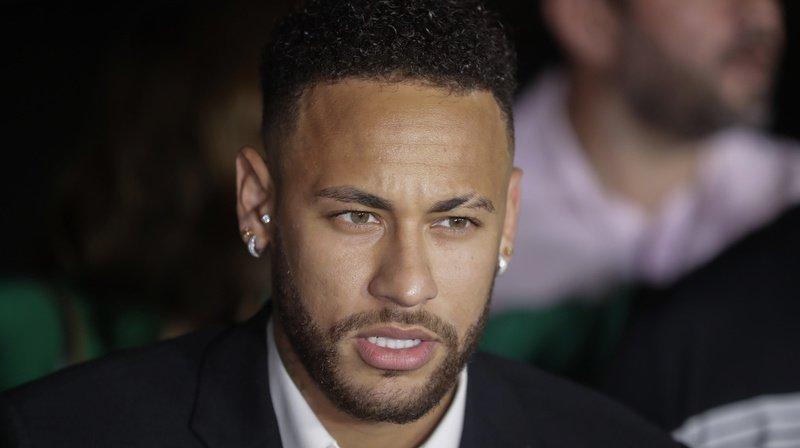 Affaire Neymar: il n'existe pas suffisamment d'indices pour accuser le footballeur de viol