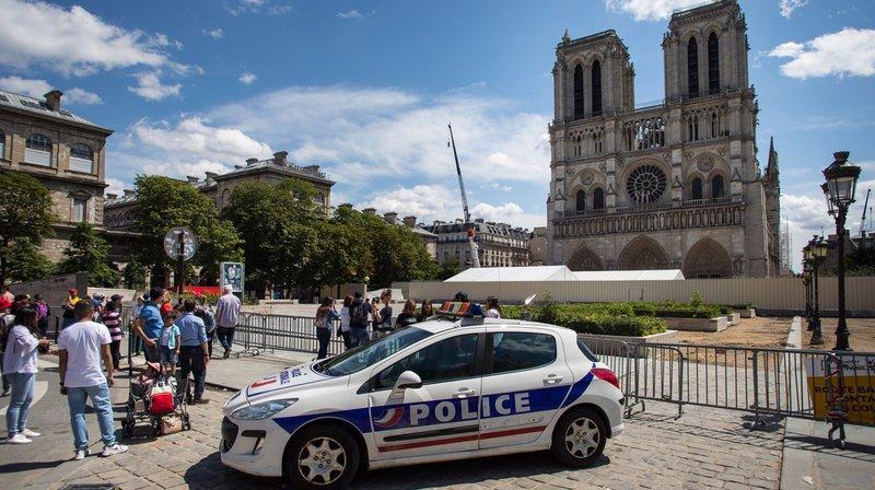 Abîmée, Notre-Dame attire les touristes mais inquiète les locaux