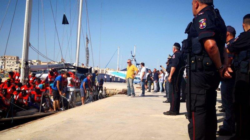 Italie: les 130 migrants bloqués en mer pourront débarquer