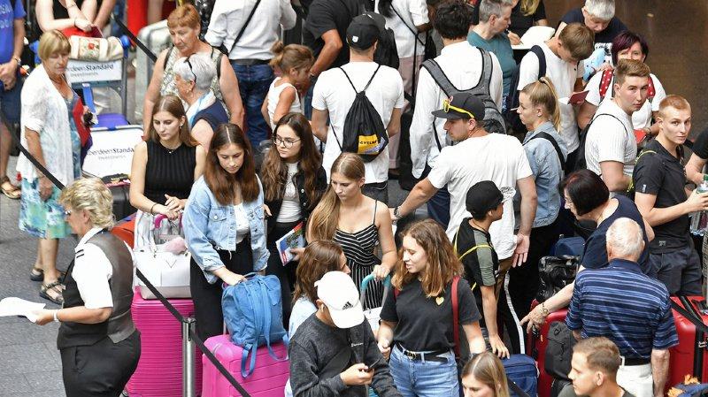 Climat: les jeunes Suisses préfèrent toujours voyager en avion