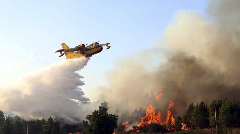 Portugal: près de 850 pompiers luttent encore contre des incendies