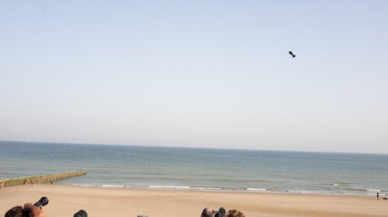 Franky Zapata avait décollé de la plage de Sangatte, au nord de la France, aux environs de 9 heures.