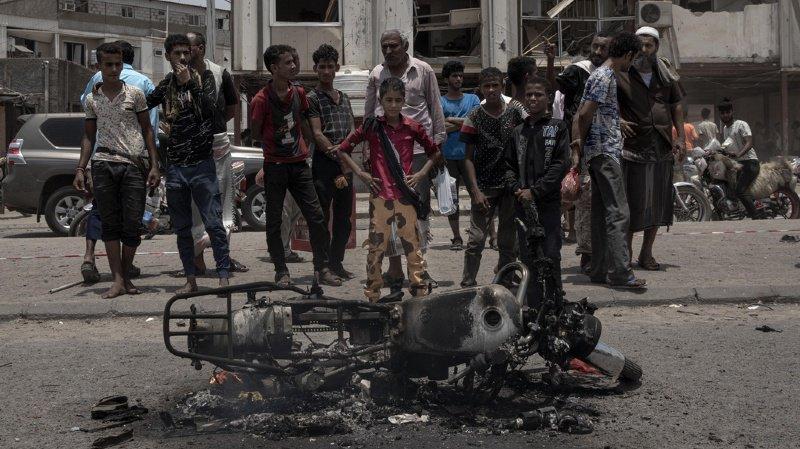 Yémen: deux attaques terroristes visant des policiers et des soldats font au moins 49 morts