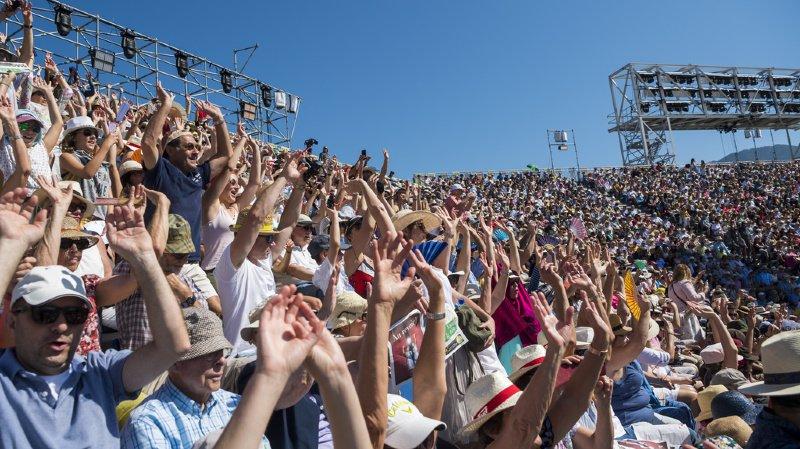 400'000 téléspectateurs, dont une bonne moitié en Suisse alémanique, ont regardé le spectacle à la télévision.