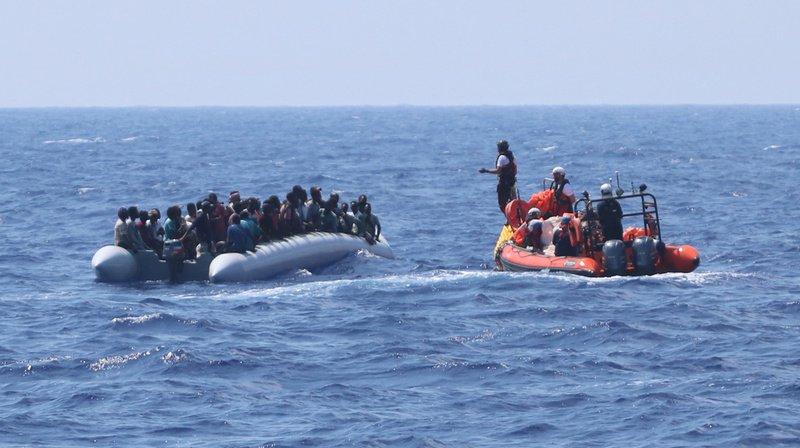 L'Ocean Viking compte désormais 356 personnes à la recherche d'un port sûr pour débarquer.