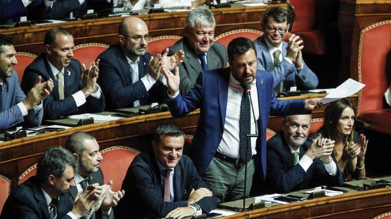 Italie: le Sénat repousse toute décision sur le gouvernement au 20 août