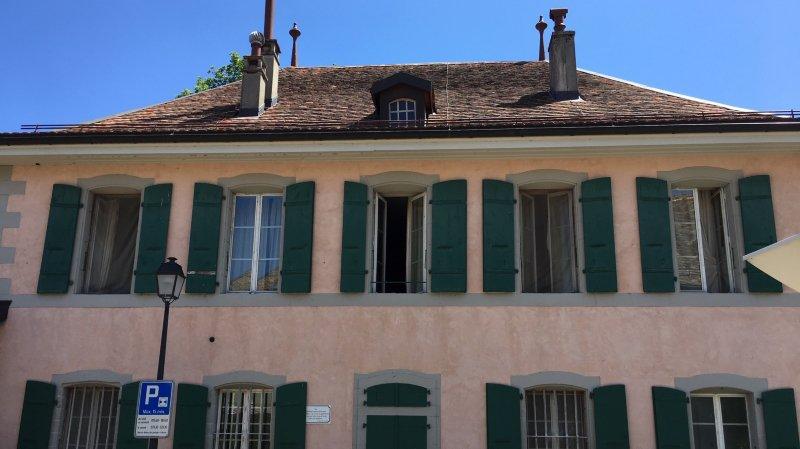 Le Château de Lavigny est une résidence internationale pour écrivains. Il donne sur une vue imprenable sur le Léman.