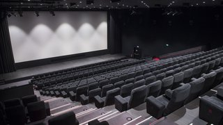 Les multiplexes remplacent de plus en plus les salles de cinéma uniques en Suisse