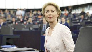 UE: l'Allemande Ursula von der Leyen succède à Jean-Claude Juncker à la tête de la Commission européenne