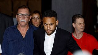 Affaire Neymar: le parquet recommande de ne pas inculper le footballeur pour viol