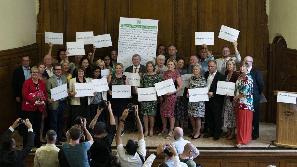 Les chefs de file des partis d'opposition se sont réunis hier pour «trouver des moyens d'éviter une absence d'accord».