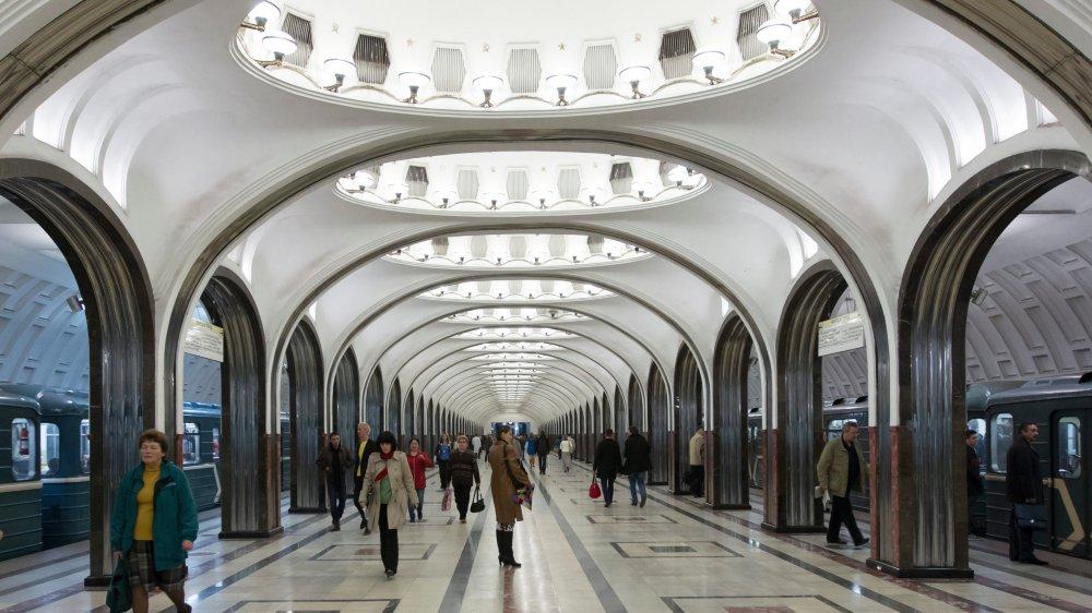 Les Moscovites sont très attachés à leur métro. Si bien que certains cassent leur tirelire pour en acquérir des morceaux...