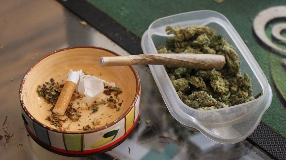 Entre janvier et juillet 2014, l'accusé avait revendu quelque 5,8 kilos de marijuana pour un bénéfice évalué à près de 16000 francs.