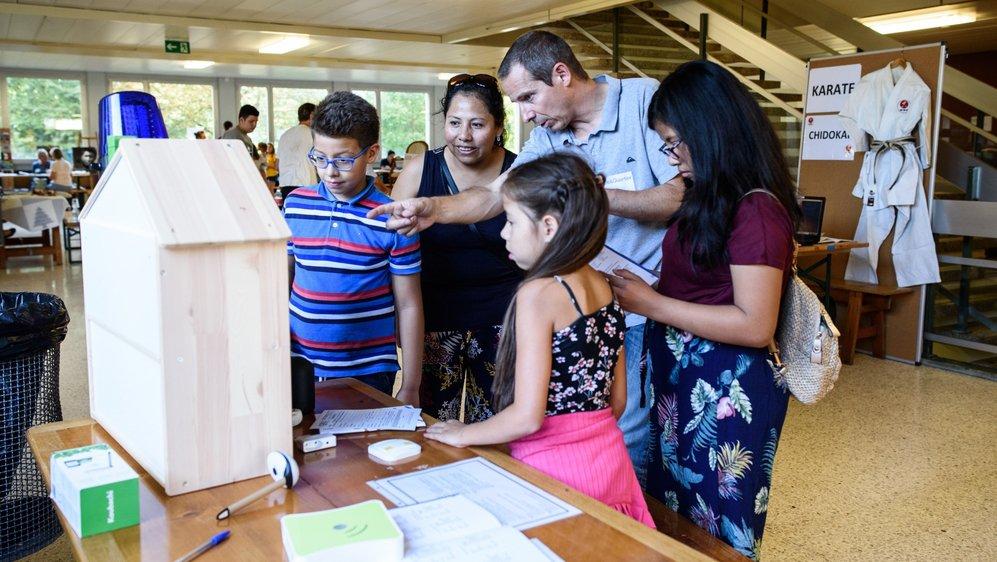 Mercredi s'est déroulée la traditionnelle soirée des inscriptions où les enseignants présentent leur cours aux visiteurs et potentiellement futurs participants.