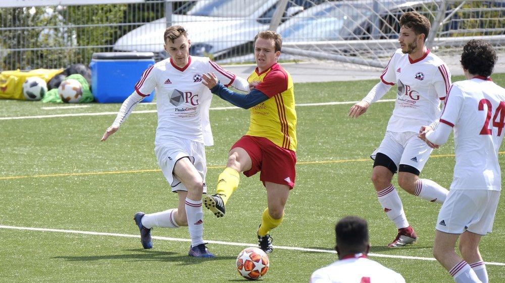 À la lutte l'an dernier pour une place de finaliste, Lonay (en jaune et rouge) et Saint-Sulpice feront à nouveau parties des favoris à une potentielle promotion en 2e ligue.