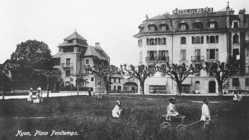 La place Perdtemps au tout début du XXe siècle.
