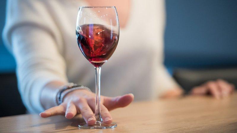 Valais, Vaud, Genève et Neuchâtel demandent une action de promotion des vins suisses