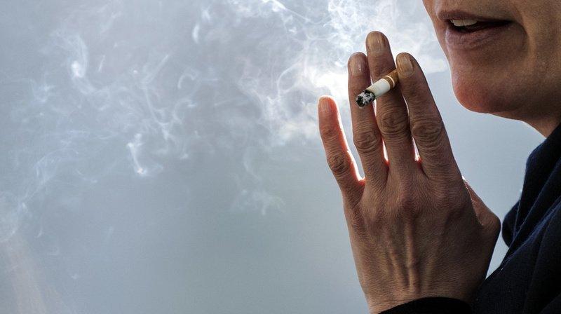 Fumer n'est pas toléré dans certaines entreprises.
