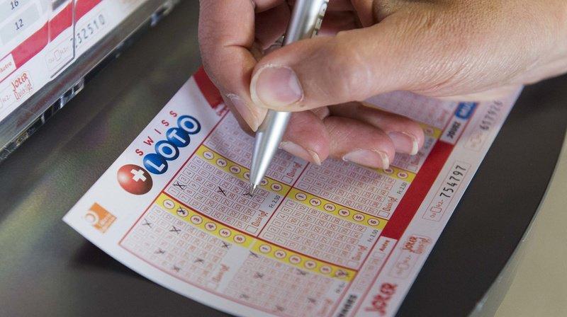 Le joueur, qui a deviné les six bons numéros, mais pas le numéro chance, empoche un million de francs.