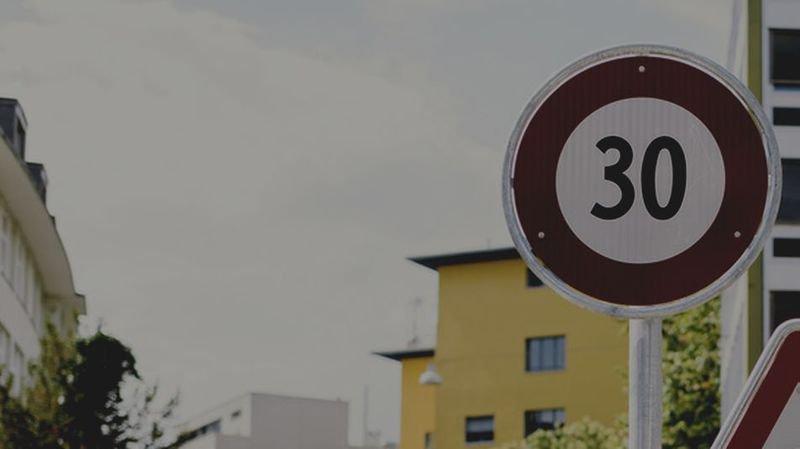 Vaud: le principe du 30 km/h la nuit pourra se généraliser, une première suisse