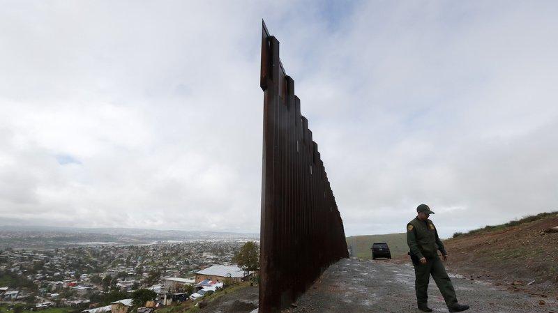 Etats-Unis: le Pentagone délivre 3,6 milliards pour le mur de Trump