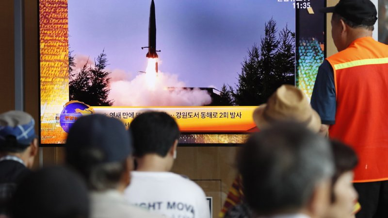 """Deux nouveaux """"projectiles non identifiés"""" tirés par la Corée du Nord."""