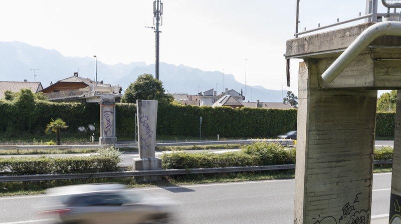 Selon l'ATE, la passerelle est utilisée par les piétons, notamment les enfants qui se rendent à l'école, les randonneurs et les cyclistes de la région.