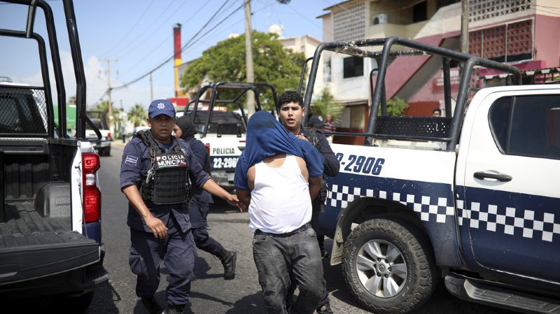 Mexique: 28 morts et 9 blessés dans un bar de strip-tease suite à des tirs et un incendie criminel
