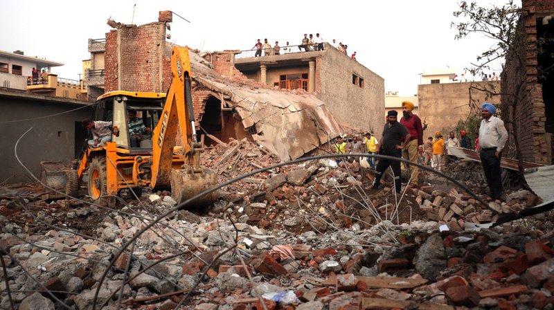 Explosion dans une usine de pétards en Inde: au moins 18 morts
