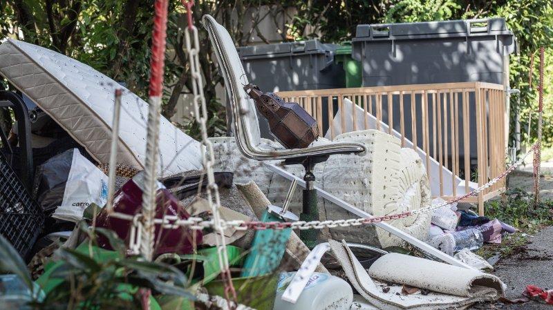 Nyon: le chemin de la Redoute souillé par des déchets