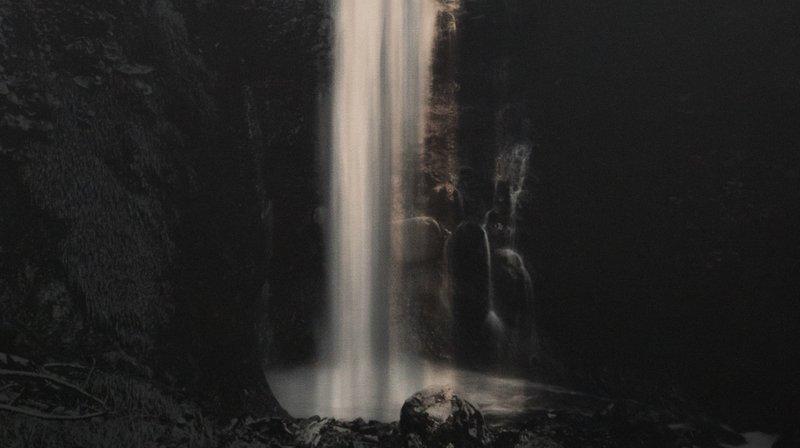 L'une des oeuvres du photographe, qui sont tirées sur du papier traditionnel japonais.