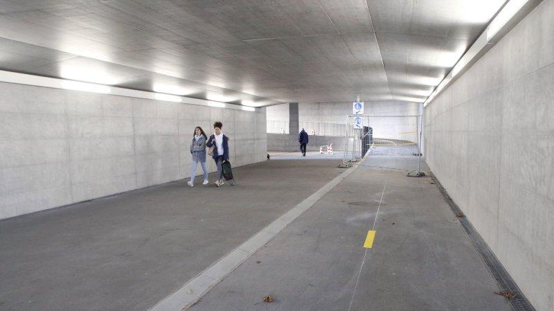 L'accident s'est déroulé samedi dans le passage sous-voies de la gare de Gland.