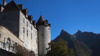 Gruyères (FR): un homme armé d'un couteau vole des milliers de francs dans un hôtel