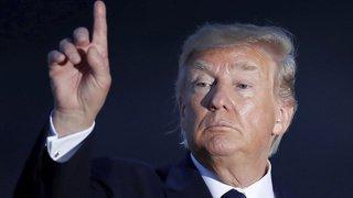 Etats-Unis: Trump suggère de bombarder les ouragans pour les empêcher de toucher terre