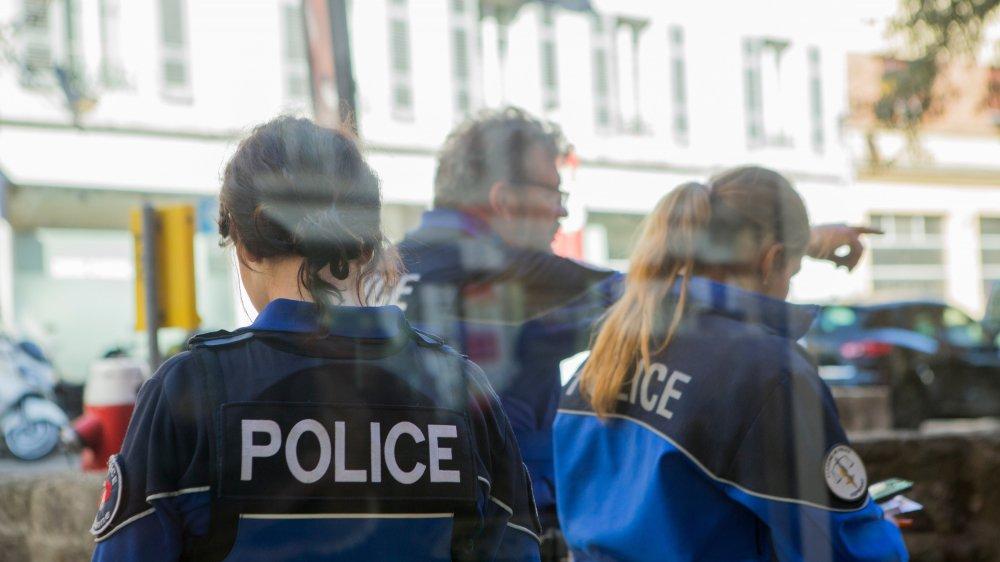 Tous les agents, qu'ils soient d'un corps intercommunal ou de la police cantonale, doivent être reliés à un système informatique unique à développer. Les associations régionales devront passer à la caisse.