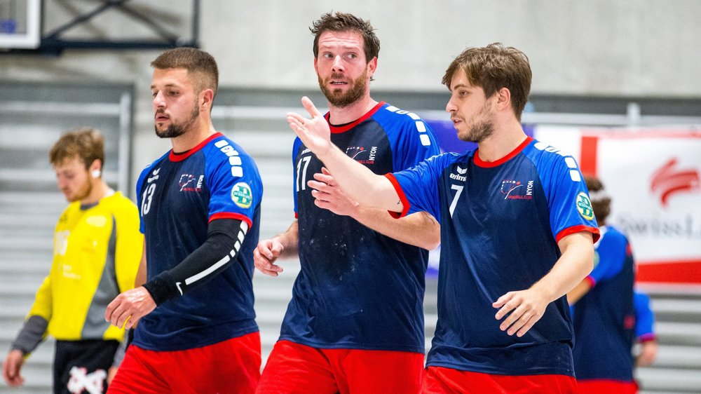 Les Nyonnais (ici Daniel Marques, Florian Duckert et Jonathan Rosas face à Wacker Thoune II) ont manqué de jus.
