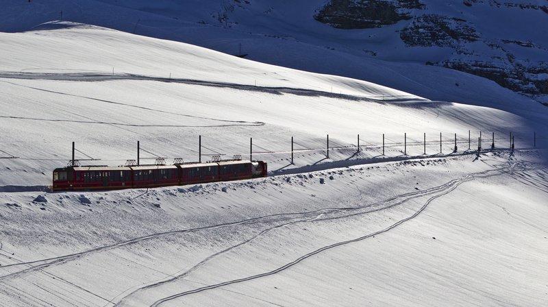 Les jeunes sélectionnés du Youth Alpine Interrail ont voyagé en train, bus et vélo à travers les Alpes. (Illustration)