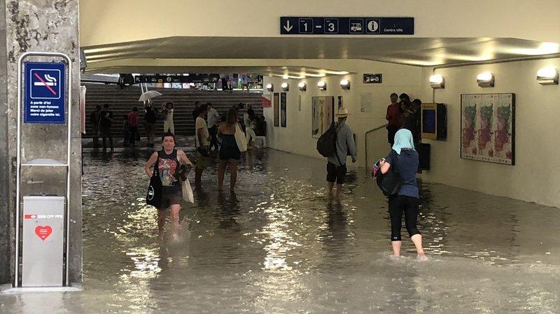 L'année dernière, le passage de la gare de Nyon avait été inondé.