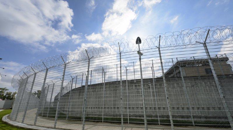 Genève: le militant antispéciste suspecté d'avoir jeté des pierres sur une boucherie de Nyon va être libéré
