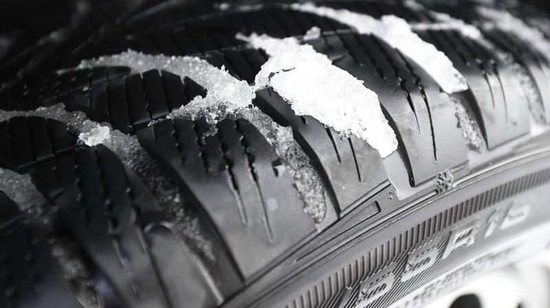 Circulation: près de la moitié des pneus d'hiver testés par le TCS sont insatisfaisants