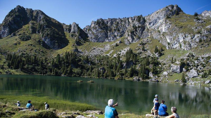 Dès vendredi, les températures vont grimper en Suisse, notamment en montagne. De quoi ravir les amateurs de randonnées. (Illustration)