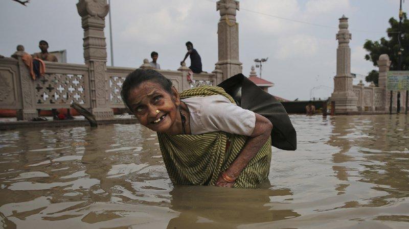 Les pluies tardives de la mousson ont été particulièrement intenses ces derniers. Ici, le Gange a débordé à Varanasi.