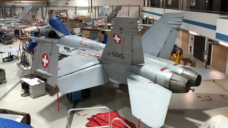Le 9 octobre dernier, une fissure a été découverte sur une charnière d'un F/A-18.