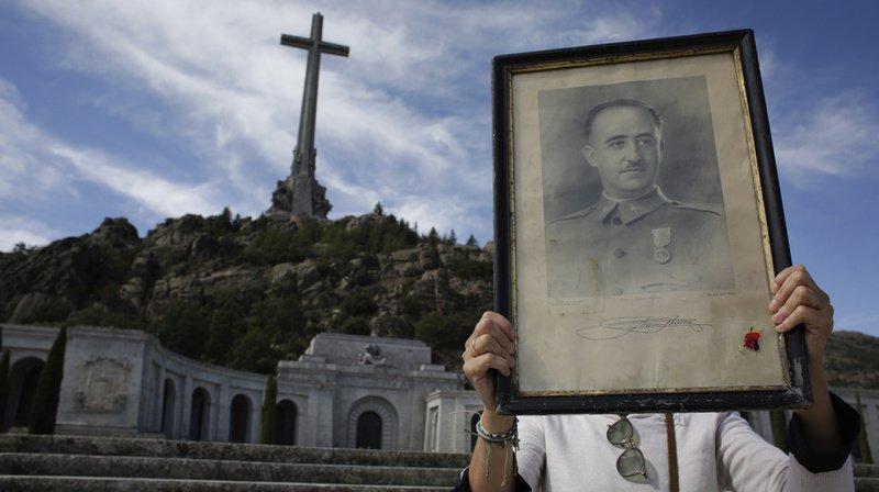 Espagne: les restes deFrancoseront exhumés jeudi