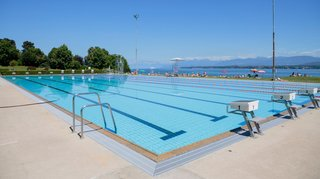 Nyon veut couvrir la piscine de Colovray pour la rendre plus écolo