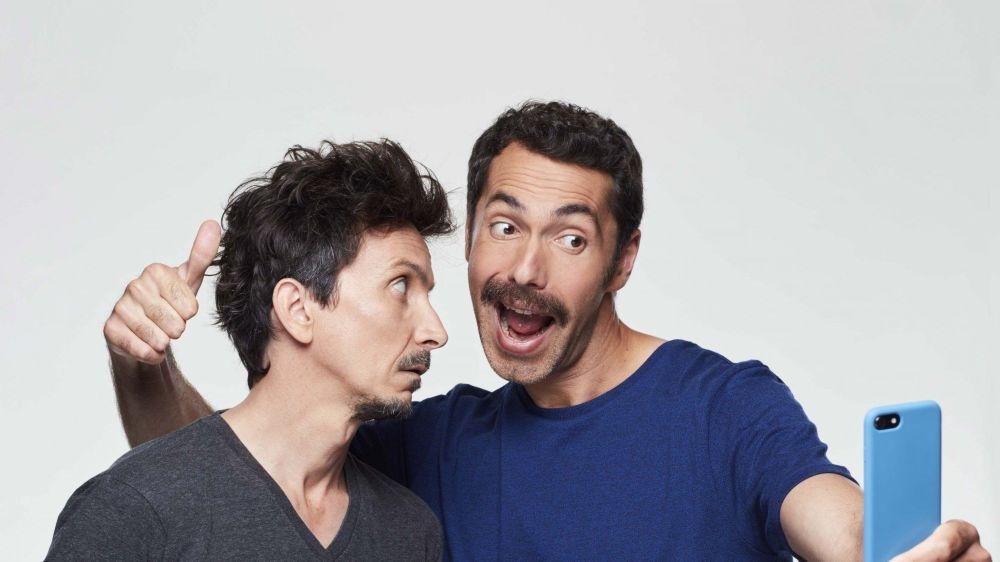 Les deux humoristes Arnaud Tsamère (à g.) et Ben seront réunis à Gingins dans un spectacle écrit à quatre mains où leurs univers se percutent dans une profusion d'histoires loufoques. A ne pas manquer.